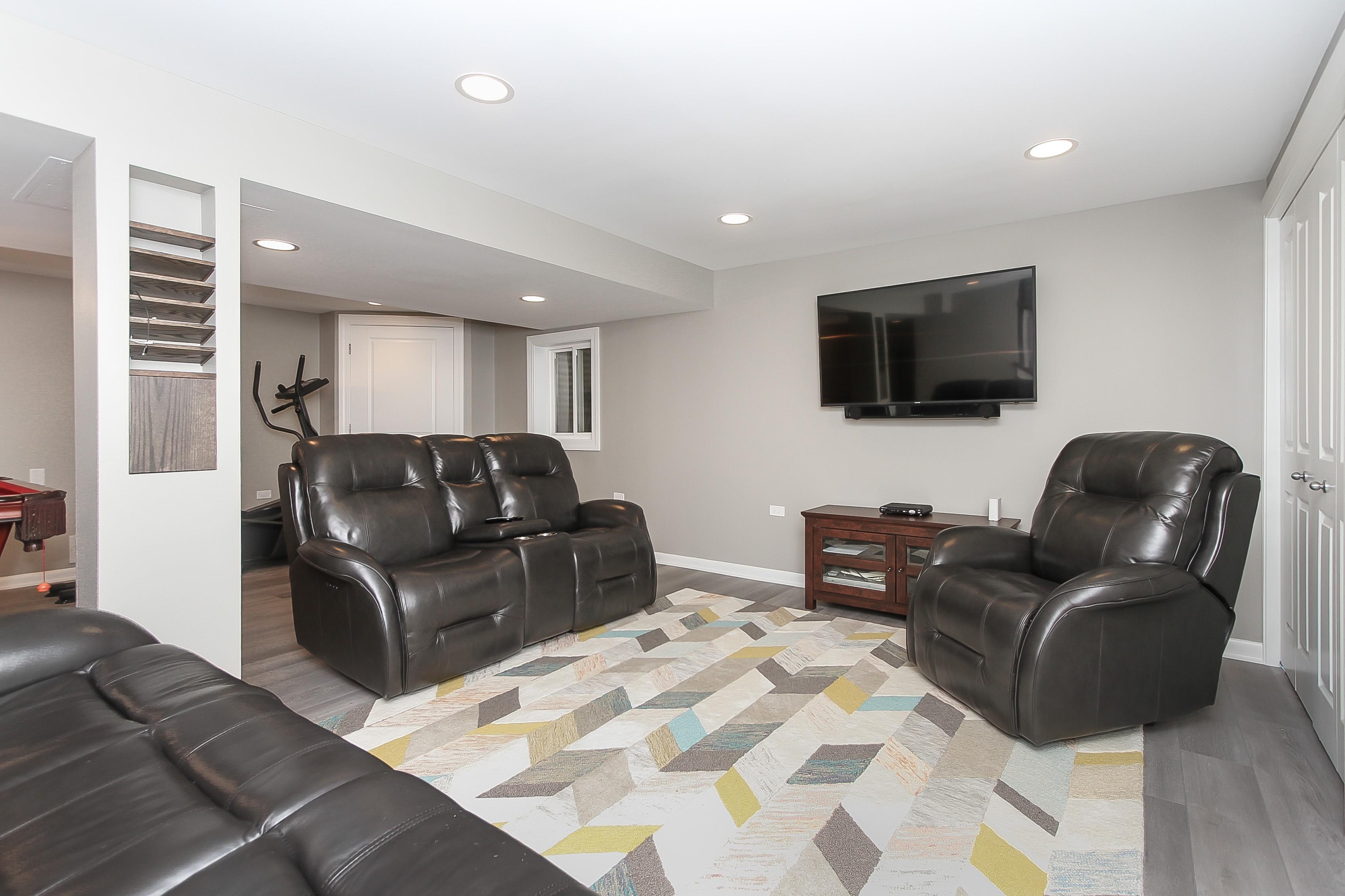 Transitional-Basement-Remodel-Arlington-Heights-Illinois