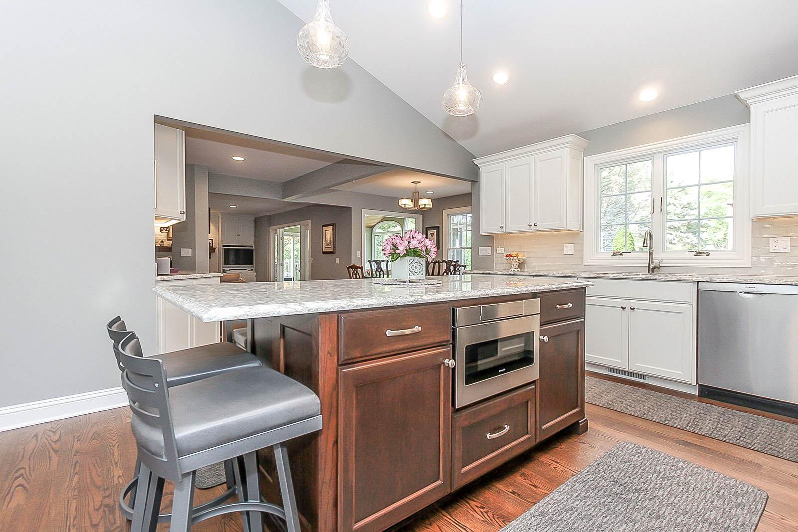 Arlington-Heights-First-Floor-Transitional-Kitchen