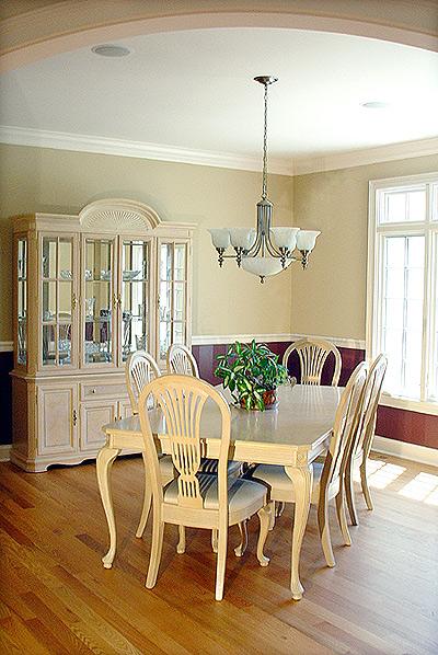 406-E.-Ridge-dining-room